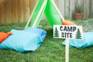 Camping-birthday-party-backyard-setting-640x425
